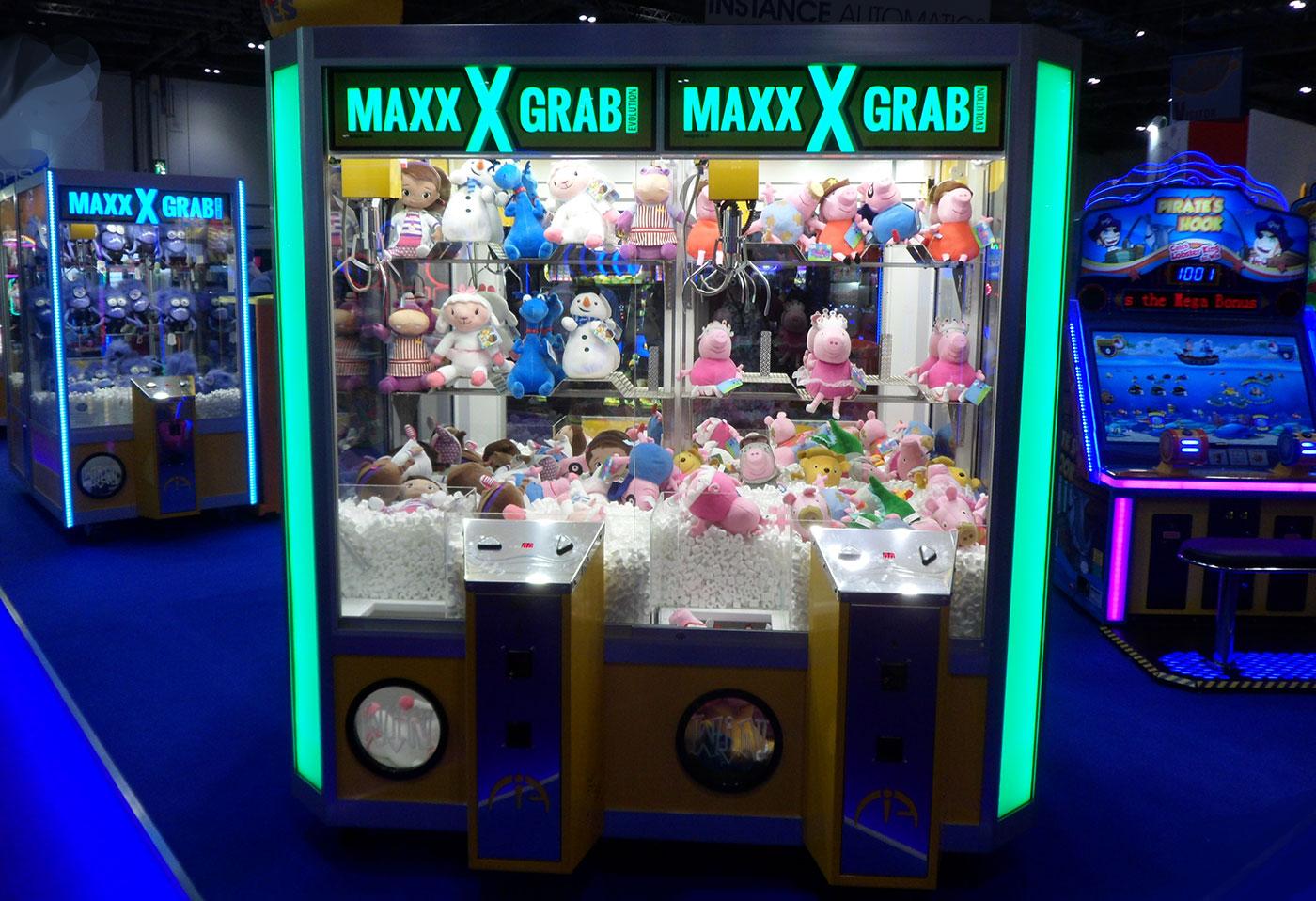 maxx grab crane in arcade